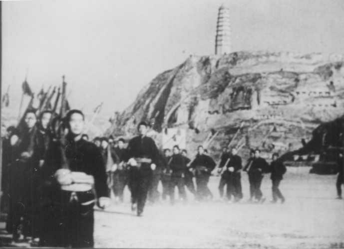 宝塔山的南侧,练兵.